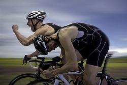 cycliste-course-gagne en velo